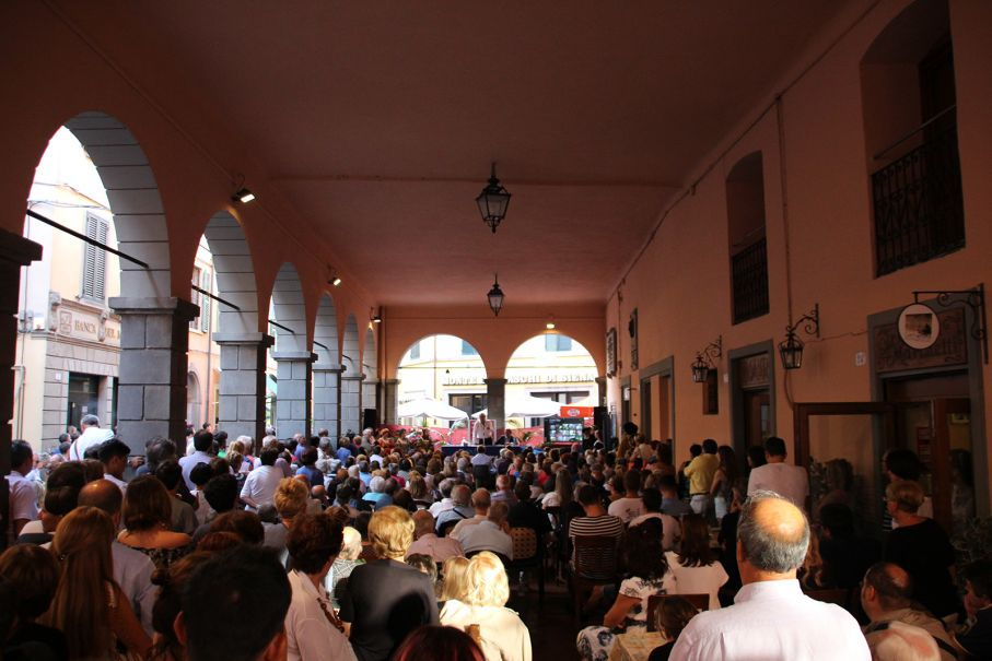 Sold out per Sgarbi, stasera danza, musical e...